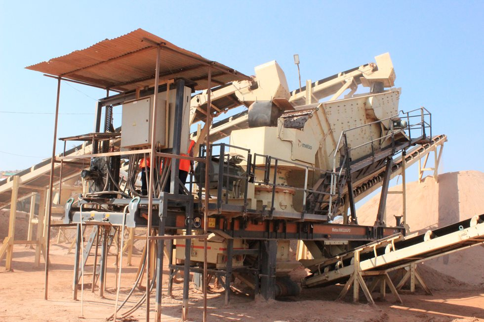 Metso mobile plant at Gayatri Projects site