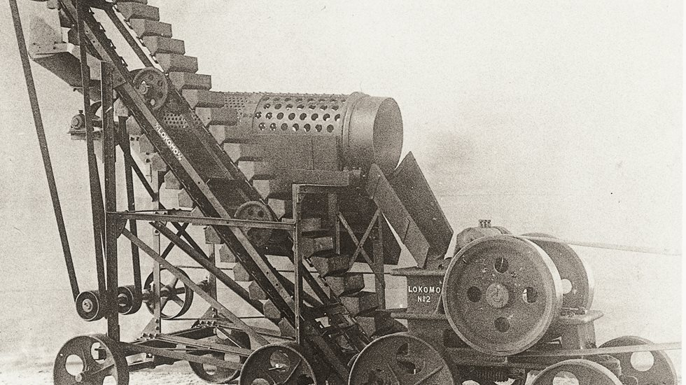 Image of historical crusher (1921)