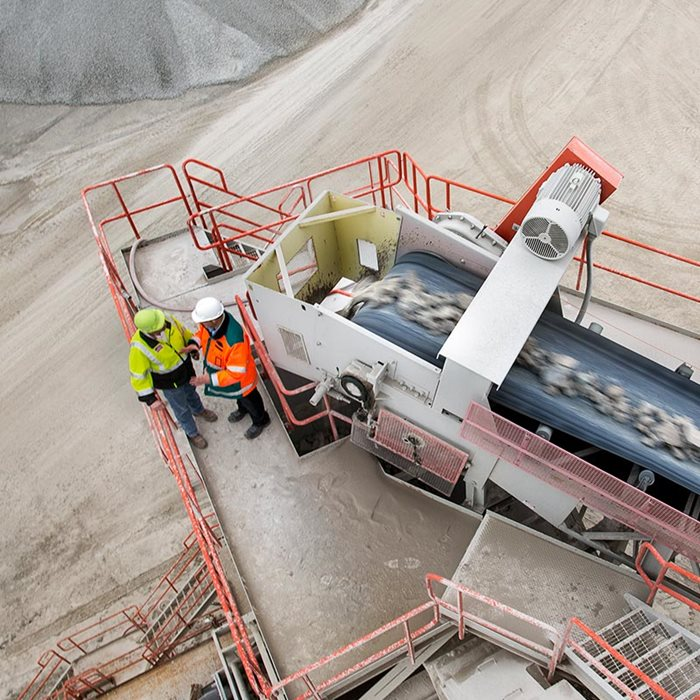 Metso Outotec solutions for aggregates production.