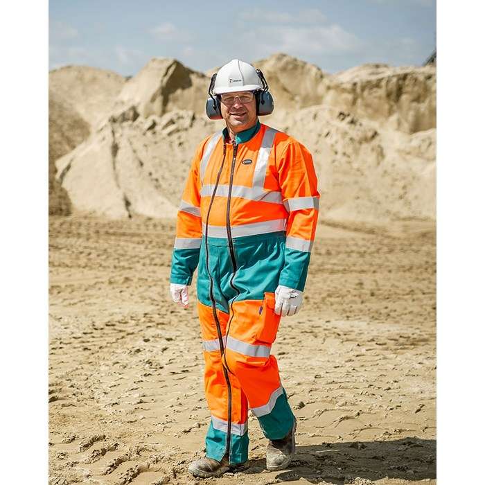 Metso screening expert at a customer site.